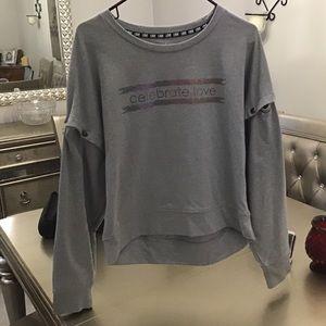 Soho Street NY&C Sweatshirt Size M snap off sleeve